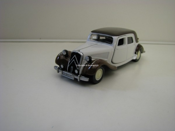 Citroen Traction Avant model Siku 1471